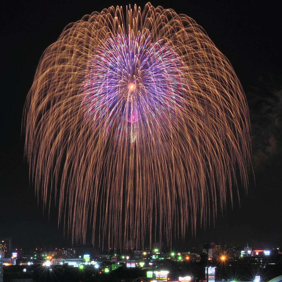 新潟県長岡市 夏の最大イベント 長岡花火
